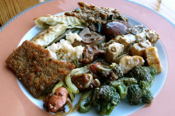 casa de tree buffet with vegetables, tofu, crispy seitan, dumplings and other tasty things. $8.99 per pound. 