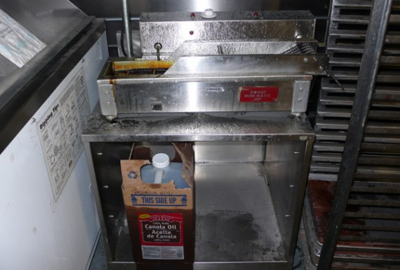 the donut machine that makes dee's donuts