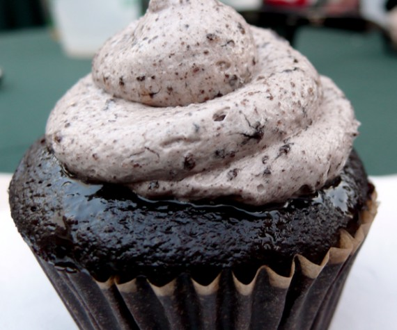 luscious organic desserts oreo cupcake