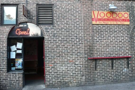 voodoo-donuts-ext