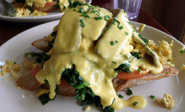 Vegan Benedict at M Cafe