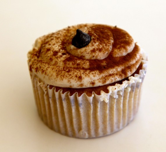 vegan cupcakes from clara's cakes!